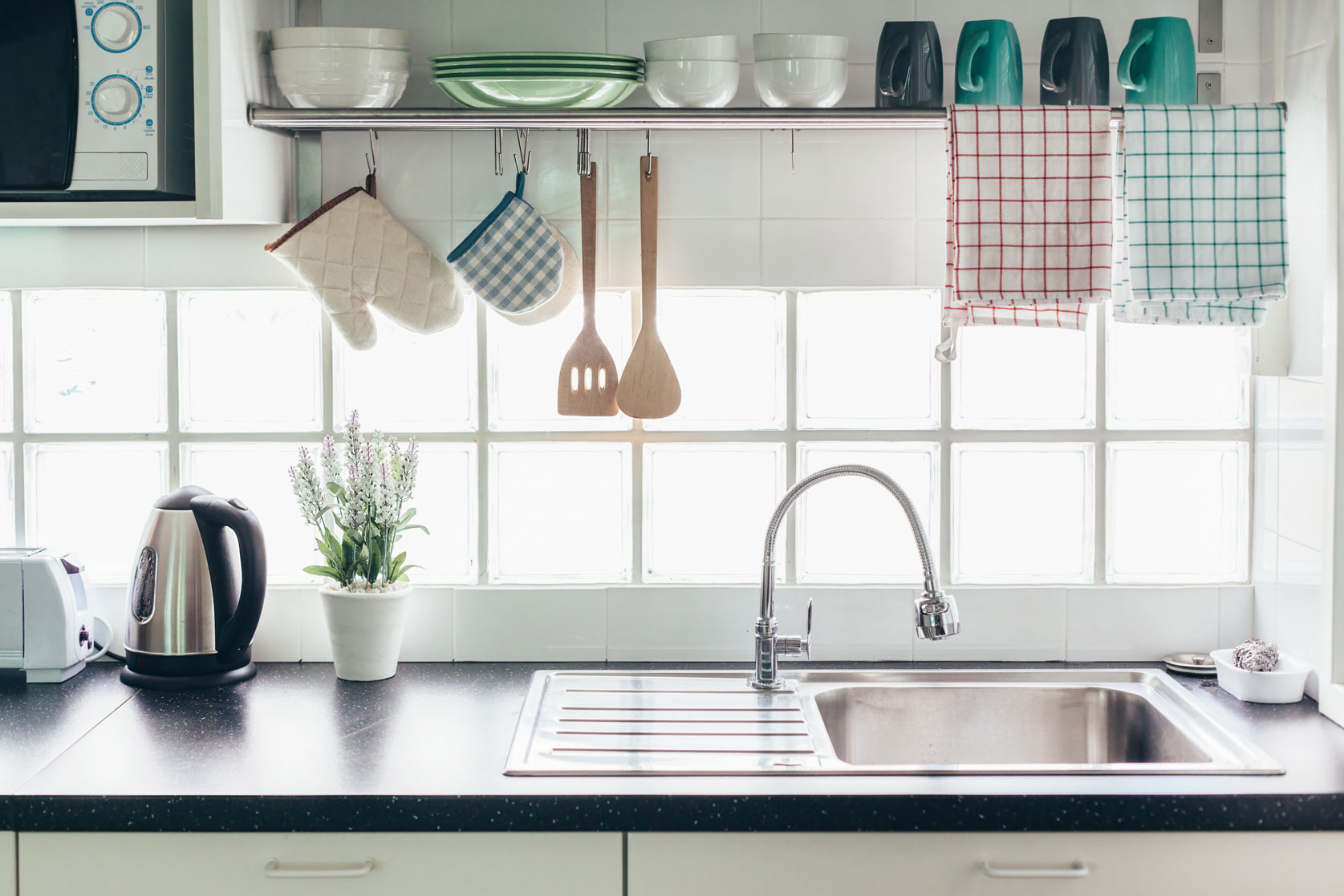 5 Tips on How to Keep Your Kitchen Looking Sharp
